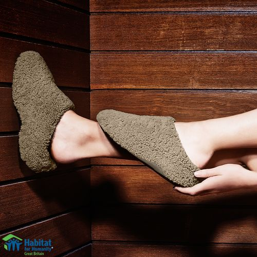 fitflop-womens-aw15-collection-house-slippers-lifestyle-view